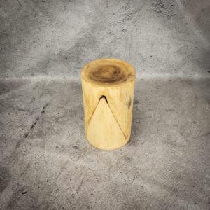 """Auxilliar taburete de madera maciza de Suar tipo """"muela"""""""
