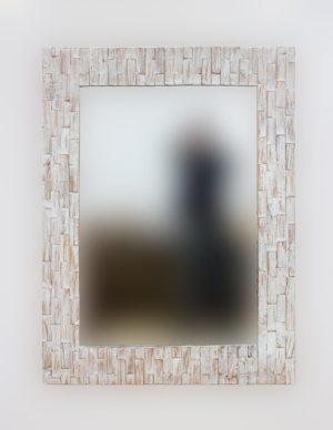 Espejo decorativo de madera Catak Bendy de 120x90 en Blanco decapado
