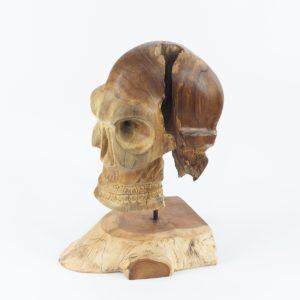 Calavera de madera realizada en raíz de teca con pedestal | mirocco.com