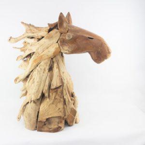 Cabeza decorativa de caballo realizada con raçices de teca
